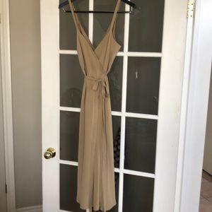 👗 Banana Republic silk dress